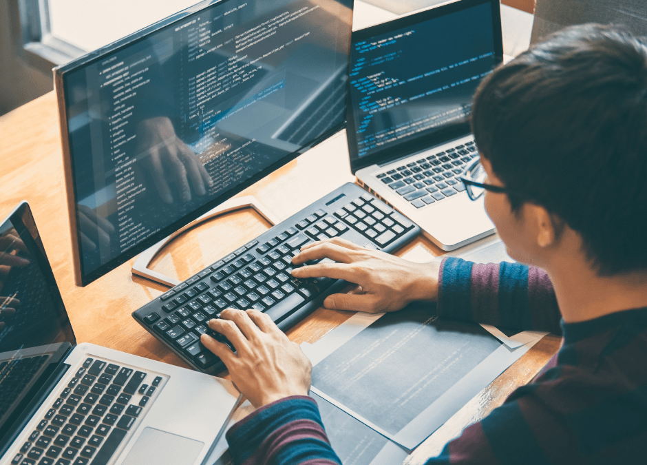 8 Benefits of Outsourcing Your Software Development Needs